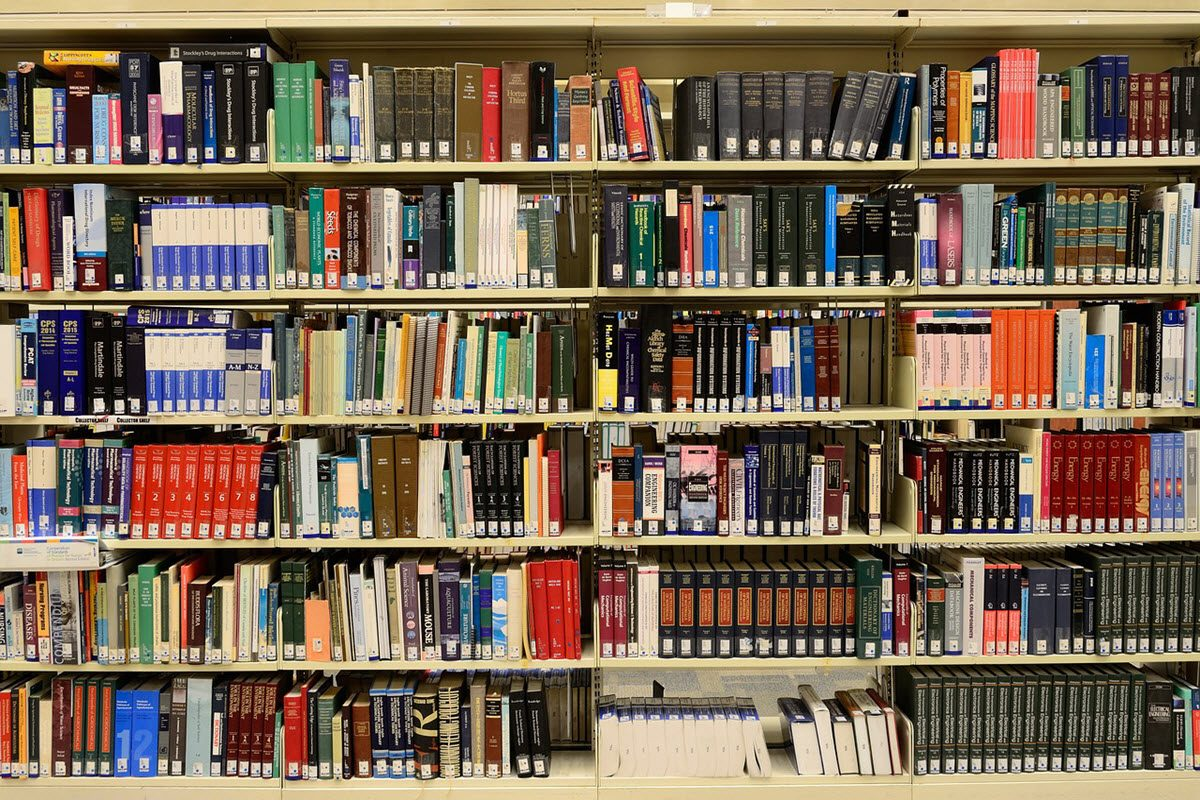 library-1147815_1280