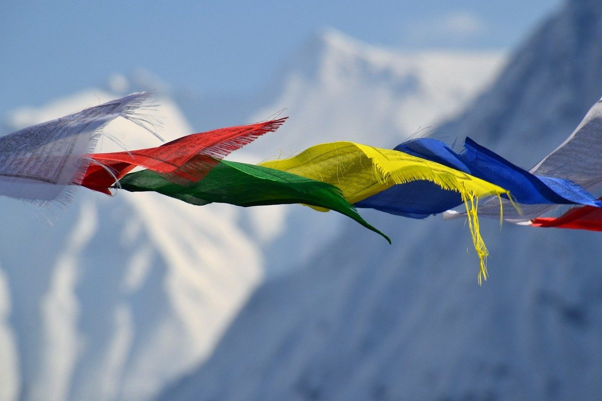 tibetan-prayer-flags-1384193_1920